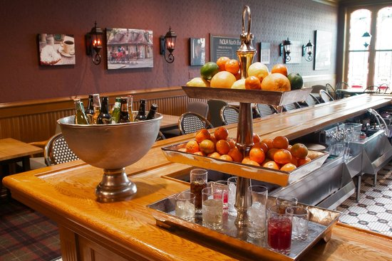 The Audubon Inn : On-site Bar Voted Most Beautiful Bar in Wisconsin