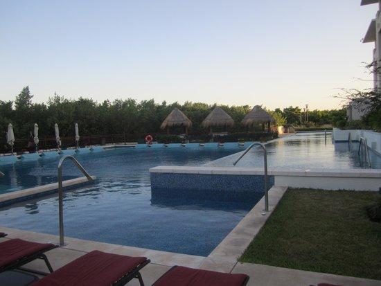 Paradisus Playa del Carmen La Perla: Pool