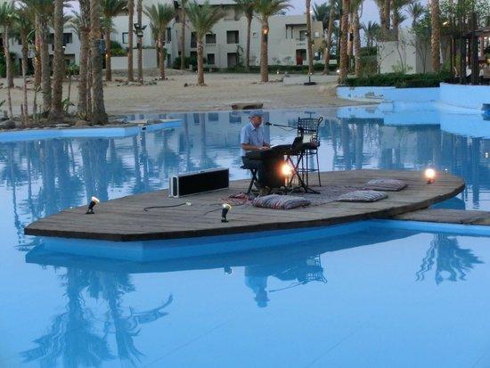 Port Ghalib Resort: Laguna & Music