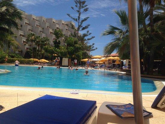 Spring Arona Gran Hotel: Pool area