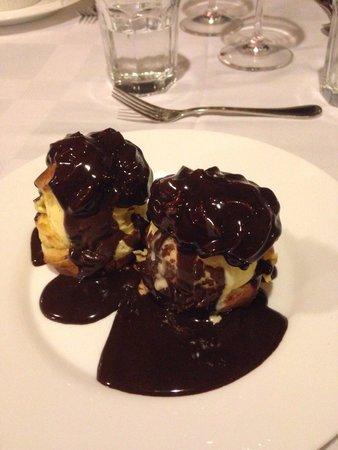 Restaurant Casavaldes: Profiteroles