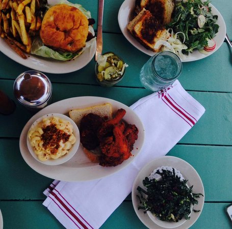 The Fremont Diner: Burger, grilled cheese & kale, jar of pickles, and famous fried chicken with a side of mac & che