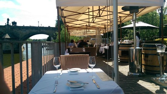 Kampa Park Restaurant : View on the Charle's bridge