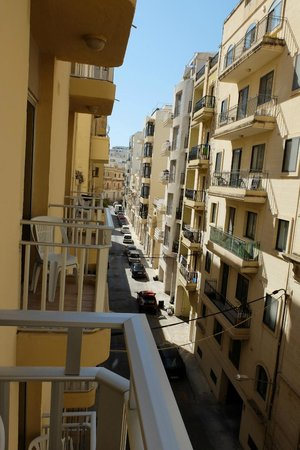 Carlton Hotel: vista dalla camera - vicolo sul retro
