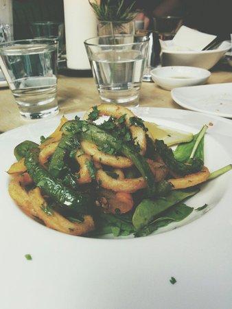 Maison Bleue : Calamari for starters