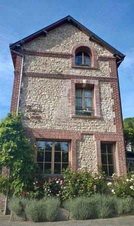 Auberge de la Source - Hôtel de Charme : main building