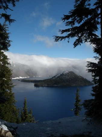 Annie Creek Restaurant: June snowfall at Crater Lake