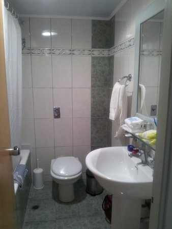 Kosta Palace: Bathroom