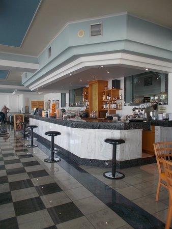 Kosta Palace: Bar area