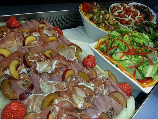 Crowne Plaza Hotel Reading: Salad Buffet