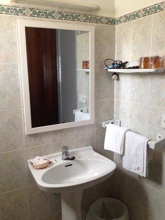 Hostal Pitiusa: baño