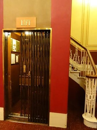 Laura Ashley Hotel The Belsfield: Step back in time with the old lift.