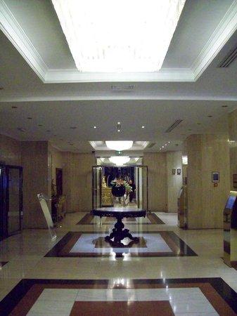 Melia White House: Part of the lobby