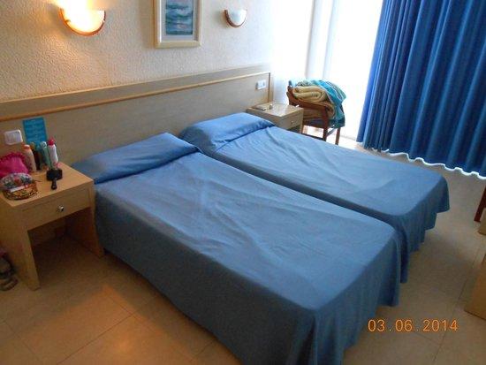The New Algarb Hotel: Room (614)