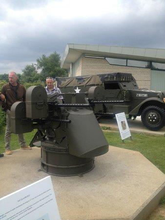 Pegasus Memorial (Memorial Pegasus): Artillery Gun
