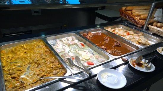 Hotel Algarb: Food