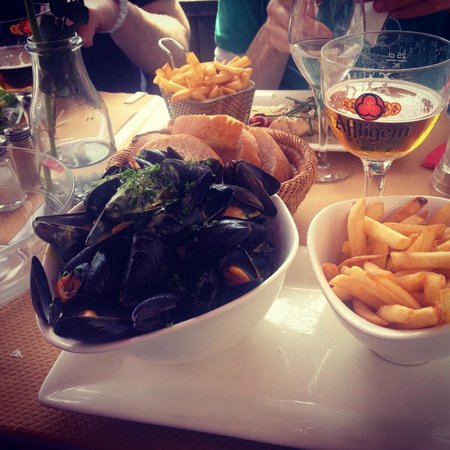 La Bisquine : Mussels and Frites