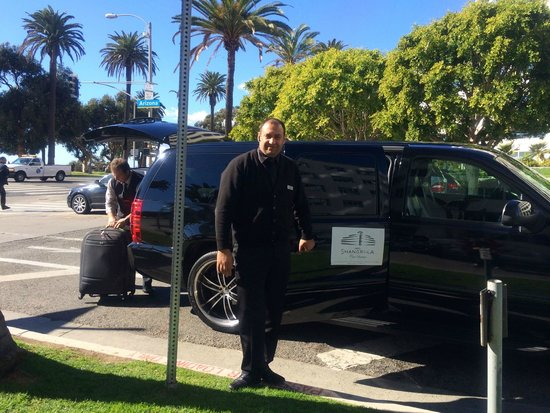 Hotel Shangri-La Santa Monica: Airport pickup service