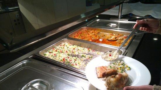 Hotel Algarb: Food...