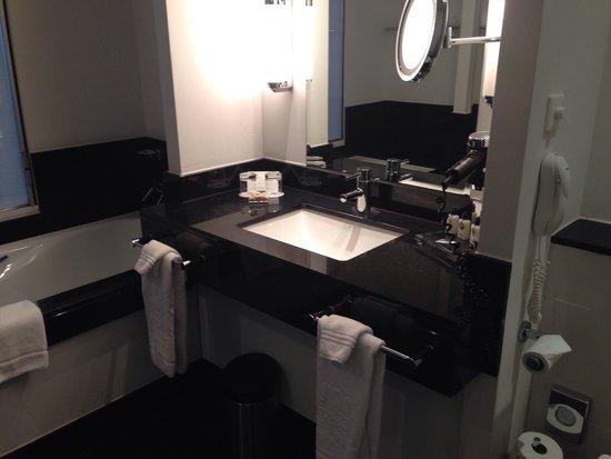 Hotel Dukes' Palace Bruges : Sala da bagno
