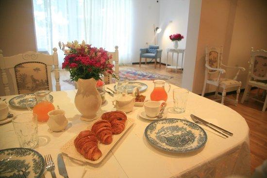 Villa Vera : Beakfast@ garden Veiw