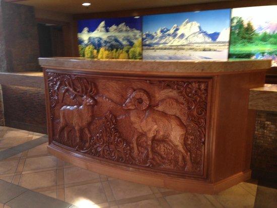 Wyoming Inn of Jackson Hole: Registration Desk in hotel lobby
