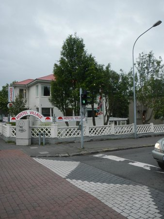 Reykjavik Hostel Village: hostel from outside