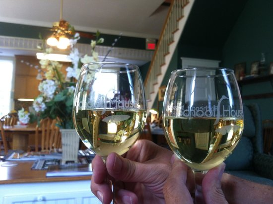 School House Bed & Breakfast: Toasting to a fabulous 2 days!