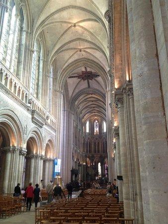 Cathédrale Notre-Dame de Bayeux : Vaulted ceiling