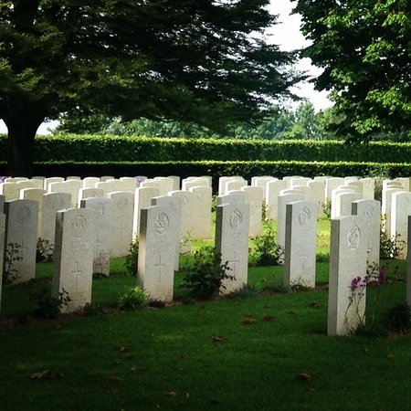 British War Cemetery: Peaceful cemetery