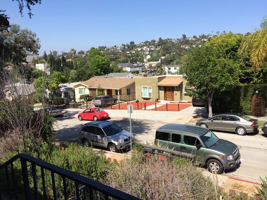Los Feliz Lodge: View from front door