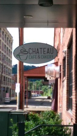 Chateau Cafe & Bakery