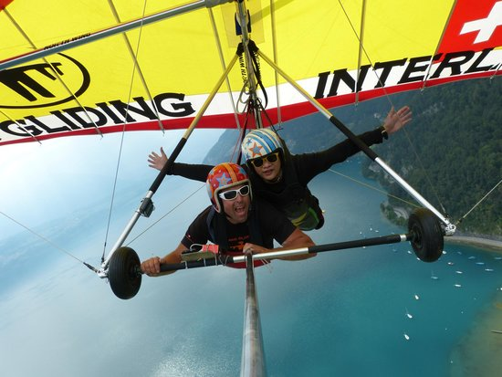 Hang Gliding Interlaken : Awesome experience of Hang gliding in the Switzerland