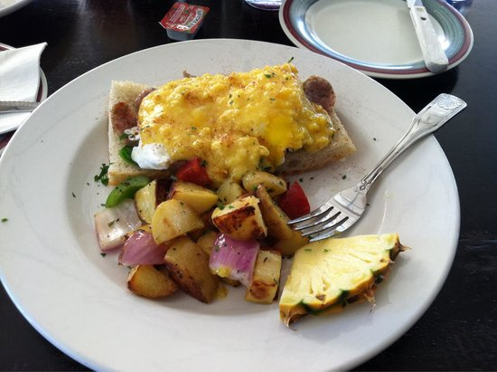 Fabiani's Bakery and Pizza: Eggs Benedict with Italian Sausage.  Heaven on Earth