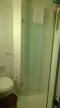 Ibis Glasgow City Centre : Bathroom