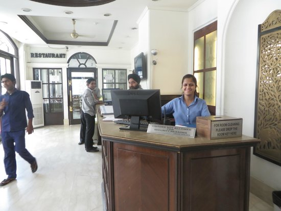 Hotel Ajanta: Happy face