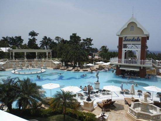 Sandals Ochi Beach Resort: Great house pool