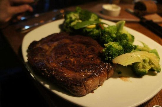 Outback Steakhouse : new york strip