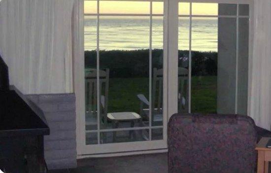 Cavalier Oceanfront Resort : Vista apartamento