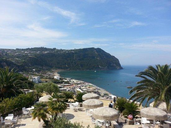 Hotel Terme Royal Palm: Panorama sulla spiaggia di Citara