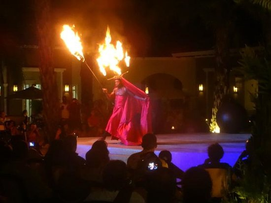 Secrets Royal Beach Punta Cana: Fire Show