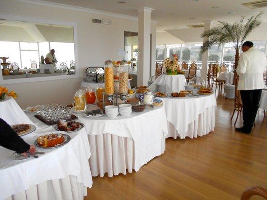 Hotel Regina Sorrento: Breakfast buffet