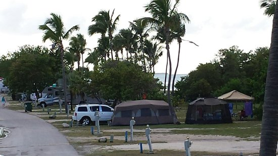 Sunshine Key RV Resort & Marina: Great camping by beach area