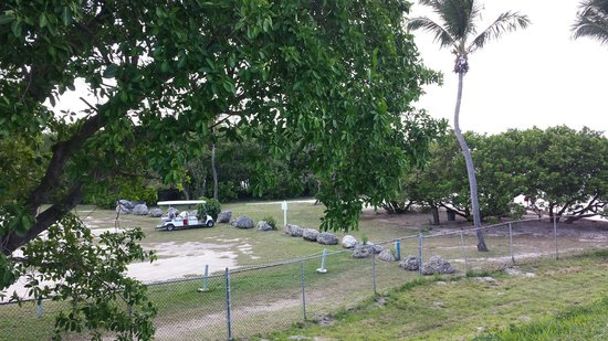 Sunshine Key RV Resort & Marina: View of beach access area