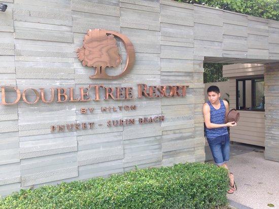 Novotel Phuket Surin Beach Resort.: DoubleTree Phuket's main entrance