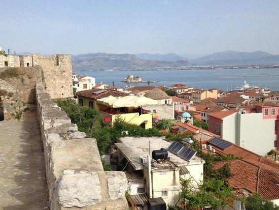 Amfitriti Palazzo Hotel: view from fortress just above hotel
