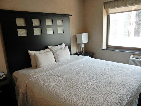 Fairfield Inn & Suites New York Manhattan/Chelsea: Comfy bed & pillows
