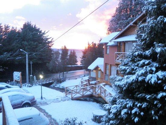 Apart Hotel del Arroyo: Del Arroyo  con hermosa manta de nieve......