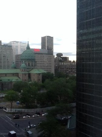 Sheraton Le Centre Montreal Hotel: view from the room