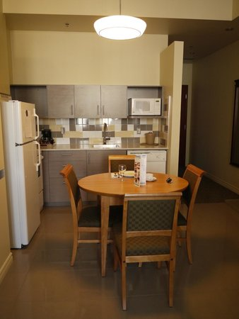 Le Square Phillips Hotel & Suites : Espace cuisine
